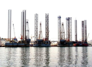 Lamprell hit by rig delay