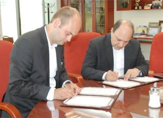 IRISL signs shipping insurance deal
