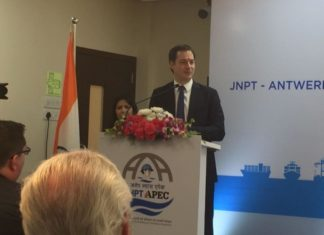 Belgium's deputy prime minister, Alexander de Croo, opening the new JNPT-SPRC training facility