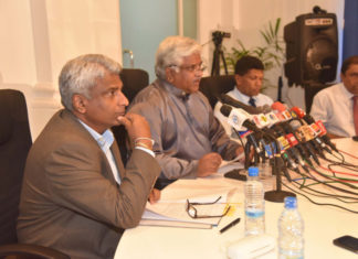 Sri Lanka's Minister of Transport, Arjuna Ranatunga, presenting the 2016 results of the Sri Lanka Ports Authority