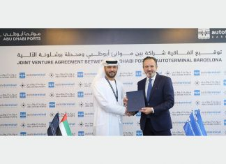 Abu Dhabi Ports' chief executive, Captain Mohamad Juma Al Shamisi signs the concession agreement with Autoterminal