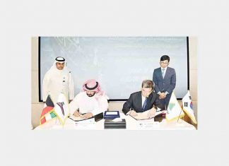 The contract was signed by H.E. Sheikh Talal Al Khaled Al Ahmad Al Sabah, KOTC chief executive officer, and his counterpart Sam H. Ka, president, Hyundai Mipo Dockyard Co.