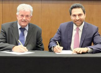 Haitham Mattar, chief executive of Ras Al Khaimah Tourism Development Authority (RAKTDA) and Captain Clifford Brand, chief executive of RAK Ports, signing the new MOU