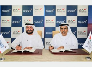 Mohammed Muallem, managing director, DP World UAE Region, and Abdulla Kalban, managing director and chief executive, EGA, signing the new agreement