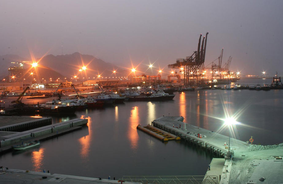 Shipping companies calling at Fujairah port will not be able to use open loop scrubbers, a recently issued advice note has confirmed