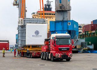 Duqm port handled over-width cargoes recently on flatrack containers