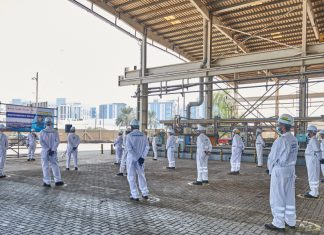 Staff at Drydocks World mark the start of steel cutting for the construction of the new FPSO turntable