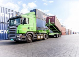 Momentum Logistics was one of two Gulftainer divisions to pick up the top ROSPA award