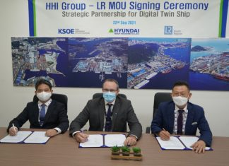 From left to right: BY Yoo, KSOE VP for Energy System Research Institute, Andy McKeran, LR Maritime Performance Services Director and DJ Lee, HHI VP for Initial Design Office